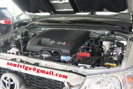 engine of LHD Toyota Hilux Vigo 2009