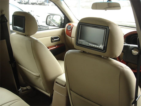 Chevy Colorado 2008 accessorized tv - Get your Chevy now at Jim Autos Dubai and Jim 4x4 Dubai